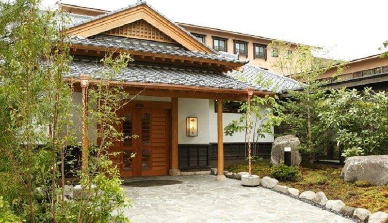 草津温泉 季の庭